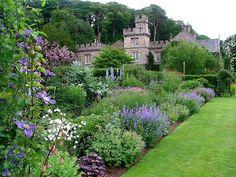 Clic para ampliar Landscape Borders, Garden Borders, Landscape Design, Modern French Country, Herbaceous Border, British Garden, Garden Cottage, Dream Garden, Big Garden
