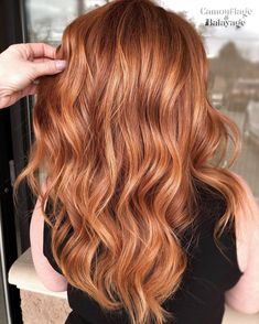 Don't you just ❤️️ this Copper with a soft Balayage to create believable dimension that created who just SWITCHED… Balayage Hair Copper, Soft Balayage, Copper Red Hair, Natural Red Hair, Hair Color Balayage, Light Copper Hair, Light Red Hair, Bright Hair, Red Hair With Balayage