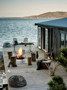 Haus am see Outdoor Spaces, Outdoor Living, Outdoor Fire, Lakeside Living, Beautiful Homes, Beautiful Places, Romantic Places, Beautiful Beach, Haus Am See