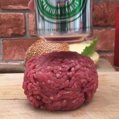 Hamburguer raclette - Galena U. Burger Recipes, Grilling Recipes, Beef Recipes, Cooking Recipes, Burger Food, Tasty Videos, Food Videos, Buzzfeed Tasty, Homemade Burgers