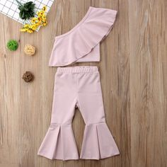 Baby Girls Summer Off Shoulder Fashion Set Sizes – Shop Kids Wear skirt courte cuir en jean longue fashion indian outfits outfits summer style Girls Summer Outfits, Dresses Kids Girl, Summer Girls, Girl Outfits, Little Girl Fashion, Kids Fashion, Baby Girl Pants, Baby Girls, One Shoulder Ruffle Top