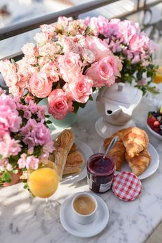 Breakfast on a Parisian balcony - Chateau Latour apartment rental | Paris Perfect