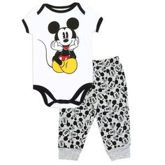 Disney Mickey Mouse Baby and Boys Clothing Mickey Mouse Baby Clothes, Mickey Mouse Nursery, Mickey Mouse Outfit, Disney Baby Clothes, Cool Baby Clothes, Baby Mouse, Baby Disney, Disney Mickey, Disney Baby Nurseries