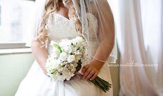 Bridal photography inspiration. Bridal flower bouquet. Bride. Wedding. Wedding photography.