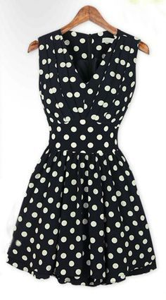 This polka dot dress has a pleated V neck line and A-line skirt shape. Gorgeous Dress. Please check the sizing details below.  Size - M(US S) / Tag-L(US M) Bust - 82cm(32.28in) / 86cm(33.86) Shoulder - 32cm(12.59in) / 33cm(12.99in) Waist - 62cm(24.41in) / 66cm(25.98in) Length - 78cm(30.71in)...