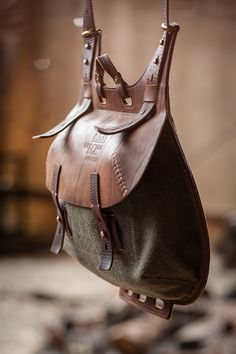 crossbody bag on Behance - Bags & Shoes - Leather Pouch, Leather Men, Leather Backpack, Leather Bags Handmade, Leather Craft, Leather Projects, Casual Bags, Leather Accessories, Canvas Leather