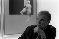 FRANCIS BACON Good photos of the painter, are known but here are in a large size.