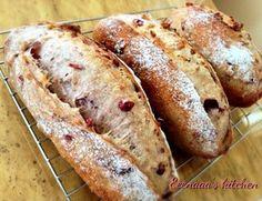 Cranberry and walnut bread ☆クルミとクランベリーパン☆ Bread Bun, Bread Cake, Savoury Baking, Bread Baking, Bread Recipes, Baking Recipes, Japanese Bread, Sourdough Bread, Homemade Cakes