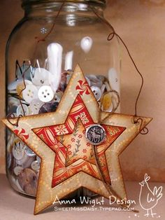 *Sassy & Sweet* has the cutest *Handmade Star Ornaments...and then some* I'm starting to get excited about paper crafting! Where to start is the question, but start I must. (Robin)