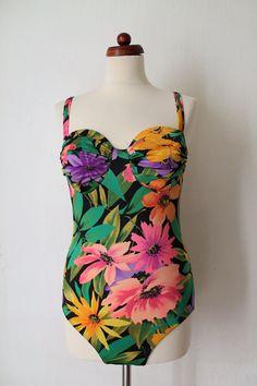 Vintage Swimsuit  Floral Tropical Swimsuit von PaperdollVintageShop, €24.90