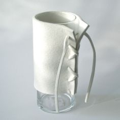 Vaas met vilt Vases, Projects To Try, Creative, Floral, Kitchens, Crafts, Nice, Flowers, Design