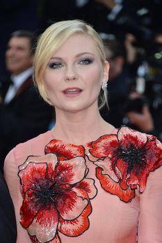 Cannesin elokuvafestivaali alkoi - katso upeat kuvat punaiselta matolta - Viihde - Ilta-Sanomat