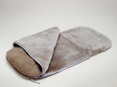 Little Jalo taupe foot muff
