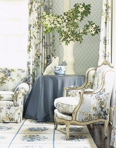 Interior Designer John Oetgen decorates a 1920's Atlanta Home. print Hortensia by Scalamandre. House Beautiful