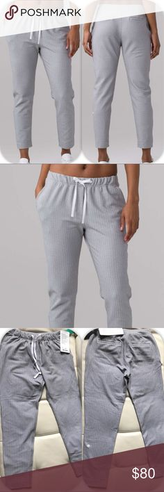NWT WHITE HERRINGBONE LULULEMON JET CROP SLIM -- 4 Brand: Lululemon Athletica Jet crop slim       Condition: New with tag    Size 4    White heathered Herringbone    🚩NO TRADES  🚩NO LOWBALL OFFERS  🚩NO RUDE COMMENTS  🚩NO MODELING  ☀️Please don't discuss prices in the comment box. Make a reasonable offer and I'll either counter, accept or decline.   I will try to respond to all inquiries in a timely manner. Please check out the rest of my closet, I have various brands. Some new with tag…