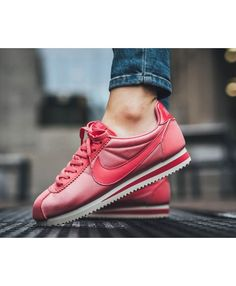hot sale online df49e f54be Nike Cortez Nylon Sea Coral Tropical Pink Sail Sea Coral Trainers Outlet UK  Outlet Uk,