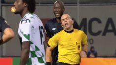 FC Porto's Danilo #Pereira was given a second #yellowcard after the #referee ran into him in the #PortugueseLeagueCup. #DaniloPereira #FCPorto #soccerref #soccergame
