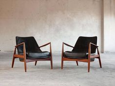 Ib KofodLarsen Set of Two 'Seal' Lounge Chairs in Black Leather is part of Dining room chair cushions - For Sale on Set of two 'Seal' lounge chairs model in teak and leather, by Ib KofodLarsen for OPE, Sweden, 1956 Beautiful and iconic Seal lounge chairs Dining Room Chair Cushions, Living Room Chairs, Lounge Chairs, Blue Chairs, Black Leather Chair, Leather Lounge, Chair Design, Furniture Design, Plywood Furniture