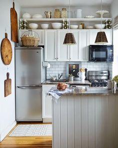 Impresionada me he quedado esta mañana al comprobar el resultado final de la reforma llevada a cabo por Danielle Arceneaux en la vieja cocina de su apartamento neoyorkino, y que ha publicado Remodelis