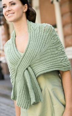 Suurenna kuva Knitted Shawls, Crochet Scarves, Knit Crochet, Knitting Stitches, Hand Knitting, Knitting Patterns, Crotchet Patterns, Shawl Patterns, Ways To Wear A Scarf