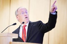 Stadt im Ruhrgebiet reduziert Aufnahme von Flüchtlingen - Bielefeld hält an seiner Praxis fest +++  Clausen kritisiert Dortmund