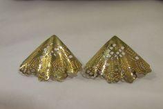 Vintage Shinny Unique Gold Tone Filigree Fan Post Earrings