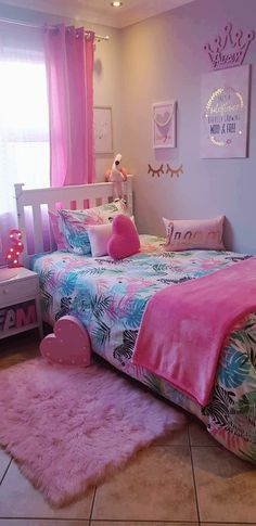 Lezorahs Flamingo Bedroom The Flamingos made me do it. Pink Bedroom Decor, Bedroom Decor For Teen Girls, Cute Bedroom Ideas, Girl Bedroom Designs, Room Ideas Bedroom, Little Girl Bedrooms, Kids Room Design, Room Kids, Daughters Room