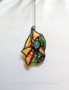 #Stained #Glass Yellow-green Pendant. Jewelry. Handmade. DizArtEx.  Type: Stained Glass (Pendant); Motive: Autumn; Size: 5,0x7,0 cm;  DizArtEx - Dizain(Design)-Art-Exclusive.... #stainedglass #handmade #decor #artglass #dizartex #glass #jewelry #autumn #yellow #pendant #tiffany #stained #glass #suncatcher #jewelry