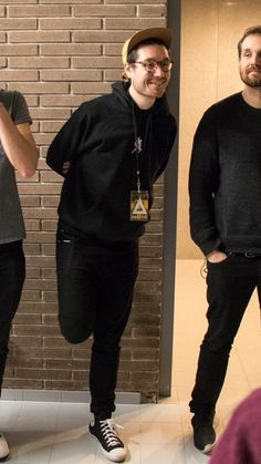 //Standing like a flamingo// nice outfits, all Black everything, exactly my taste in fashion! Bastille Band, Kyle Simmons, Bae, Dan Smith, Bad Blood, Song Artists, Boyfriend Goals, All Black Everything, Pictures Of People