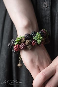 Beautiful berry bracelet with pendants blackberry mint and