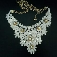 Lace necklace New condition Jewelry Necklaces
