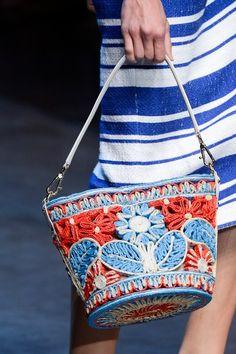 Trendy crochet bag dolce gabbana runway Knit bags have always be… Dolce & Gabbana, Dolce And Gabbana Handbags, Diy Fashion Decor, Bunny Bags, Macrame Bag, Boho Bags, Summer Bags, Spring Summer, Types Of Bag