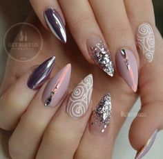 These acrylic stiletto nails remind me of the universe, galaxy, stars. On something glamorous, gentle, seductive and at the same time extremely modern and daring. Gorgeous Nails, Fabulous Nails, Pretty Nails, Nail Art Rhinestones, Rhinestone Nails, Silver Nails, Purple Chrome Nails, Gold Nail, Nails Polish