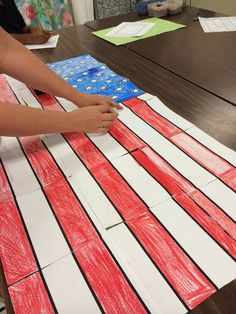 Veterans Day American flag group collaboration poster! Makes for a great, patriotic bulletin board display!
