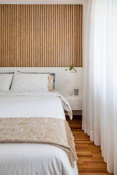 Apartamento pequeno com decoração moderna, decoração branca, integrada, iluminação natural, quarto.