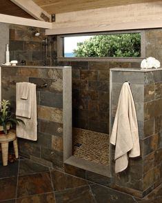 custom-built-walk-in-showers_bathroom-shower-stall-ideas_step-in-shower-ideas_no-door-shower-ideas-805x1006.jpg (805×1006)