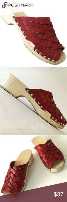 STEVE MADDEN Clog Sandal Slide Huarache Zanna Red Leather 8. #shopmycloset #poshmark #fashion #shopping #style #forsale #Steve Madden #Shoes Clog Sandals, Women's Shoes Sandals, Heels, Steve Madden, Wooden Clogs, Slide, Huaraches, Beautiful Shoes, Red Leather