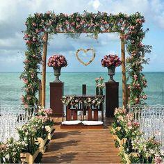 "874 Gostos, 44 Comentários - Casamento na Praia (@casamentopraiano) no Instagram: ""Pic lindo @borntobeabride #CasamentoPraiano #casamentonapraia#casamentobeiramar #seasidewedding…"""