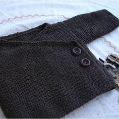 Baby Knitting Patterns Ravelry: Garter Stitch Baby Kimono pattern by Joji Locatelli. Kimono Pattern, Jacket Pattern, Cardigan Pattern, Sweater Patterns, Knitting For Kids, Free Knitting, Knitting Ideas, Crochet Baby, Knit Crochet