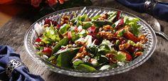 https://flic.kr/p/vkVBo7 | Салата с ягоди, синьо сирене и карамелизирани орехи | Линк към рецептата: bit.ly/JwgweW