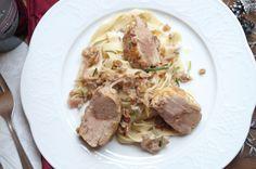 Involtini von der Putenbrust, gefüllt mit Brät und Kastanien. Ganzes Rezept auf www.cookingitaly.de
