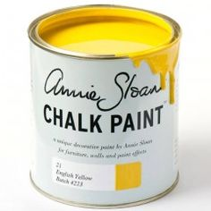 Chalk Paint® by Annie Sloan old style tin in Honfleur, a rich brown. Annie Sloan first developed her signature range of furniture paint in calling it 'Chalk Paint' because of this decorative paint's velvety, matte finish. Duck Egg Blue Chalk Paint, Gray Chalk Paint, Pink Chalk, Chalk Paint Colors, Chalk It Up, White Chalk, Annie Sloan Chalk Paint Brown, Chalky Paint, Provence Chalk Paint