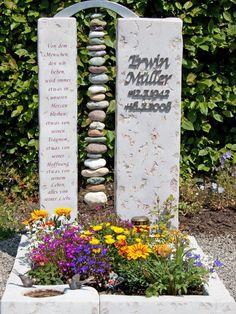 Urn community burial site Stonemason Herbert Baldauf Immenstadt Allgäu - Lilly is Love Cemetery Monuments, Cemetery Art, Amazing Gardens, Beautiful Gardens, Indoor Garden, Outdoor Gardens, Cemetery Decorations, Steinmetz, Cemetery Flowers