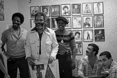 Sammy Ayala, Ismael Rivera e integrantes de los Cachimbos, en la oficina de Richy Bonilla..foto herencialatina.com