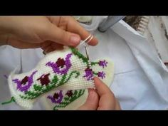 I am interested in knitting and ready to spend every free minute of knitting. Knitting Stitches, Knitting Designs, Hand Knitting, Knitting Patterns, Crochet Patterns, Crochet Shoes, Crochet Slippers, Diy Crafts Crochet, Crochet Projects