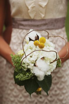 Rustic bouquet with cotton, queen anne's lace and billy balls