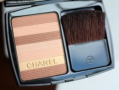 Soleil Tan de Chanel Luminous Bronzing Powder in Sable Beige