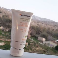 Ensure that you are protecting your skin during winter with Daily Cream SPF 30 Tinted. Art Of Beauty, Sun Protection, Sunscreen, Seventeen, Your Skin, Skincare, Personal Care, Cosmetics, Cream