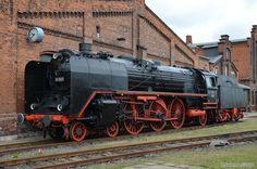 Dresdner Hobbyeisenbahner - Eisenbahnfest im ehem Bw Staßfurt. Locomotive Engine, Electric Locomotive, Steam Locomotive, Diesel, Old Steam Train, Rail Transport, Train Times, Electric Train, Old Trains