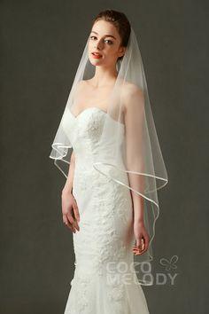 Romantic One-tier Ribbon Edge Tulle Ivory 110*150cm Hip Veils AV160015 #weddingessentials #weddingaccessories #cocomelody#weddingveils